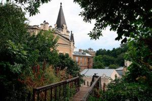 Лестница на Замковую гору
