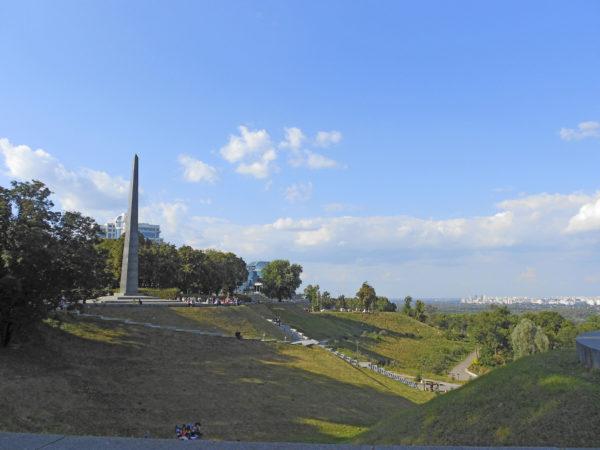 Парк Славы - обелиск